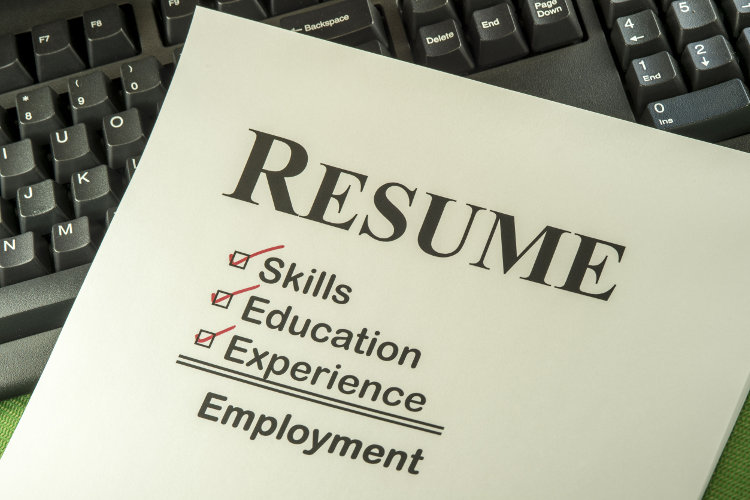 Paper showing key features of a resume